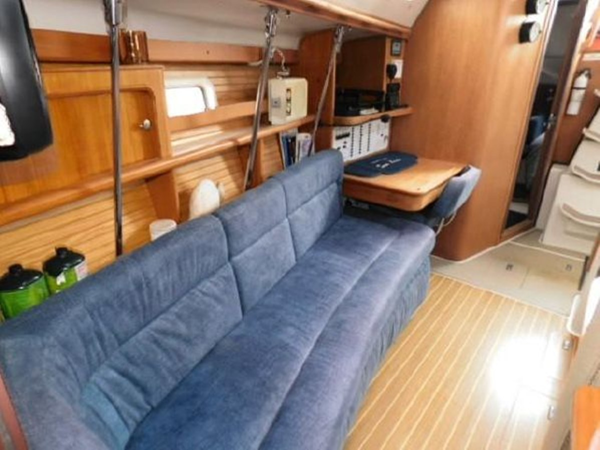 8 1998 CATALINA 380 Cruising Sailboat 2947715