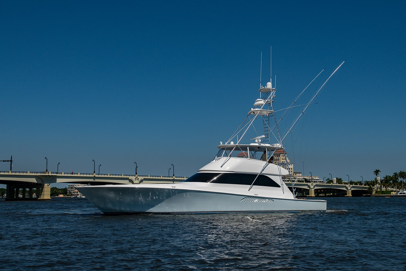 Two Weeks Notice_Bow Profile1 2006 VIKING  Sport Fisherman 2951094