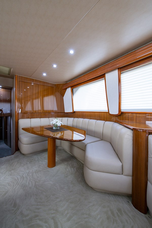 Two Weeks Notice_Dinette2 2006 VIKING  Sport Fisherman 2951150