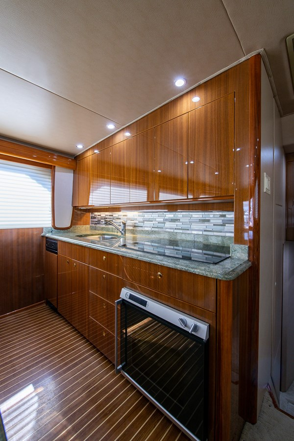Two Weeks Notice_Galley3 2006 VIKING  Sport Fisherman 2951154