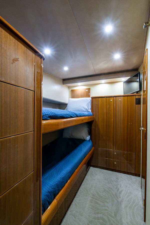 Two Weeks Notice_Guest Stateroom2 2006 VIKING  Sport Fisherman 2951159