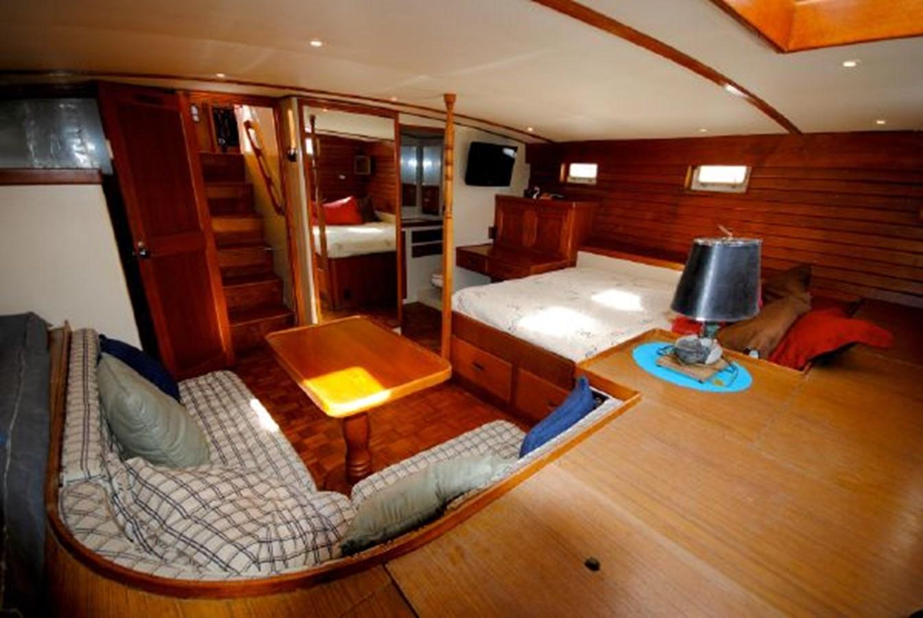 Master Stateroom 3 1974 GRAND BANKS  Trawler 2952192