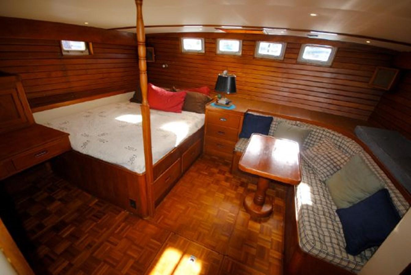 Master Stateroom 4 1974 GRAND BANKS  Trawler 2952193