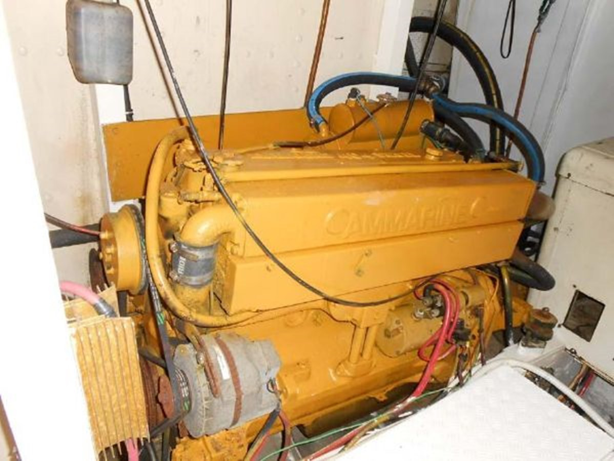 Starboard Motor 1974 GRAND BANKS  Trawler 2952210