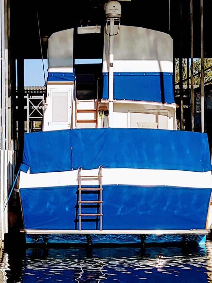 Stern with covers 1974 GRAND BANKS  Trawler 2952211