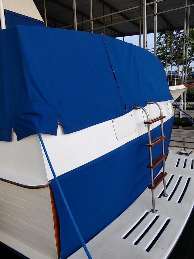 Transom cover 1974 GRAND BANKS  Trawler 2952213