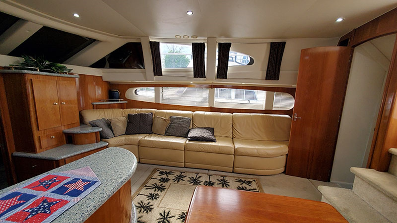 24MainCabinStarboard 2001 CARVER 444 Cockpit Motor Yacht Motor Yacht 2967617