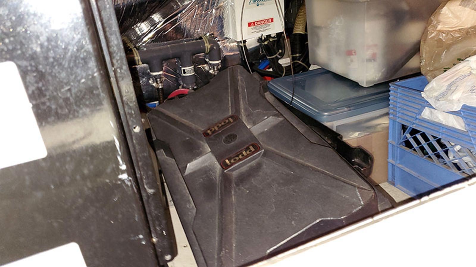 52ELECBatteryBank2 2001 CARVER 444 Cockpit Motor Yacht Motor Yacht 2967645
