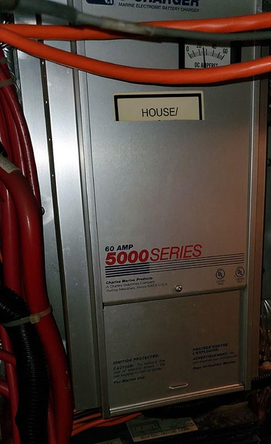 54ELECBatteryCharger2 2001 CARVER 444 Cockpit Motor Yacht Motor Yacht 2967647