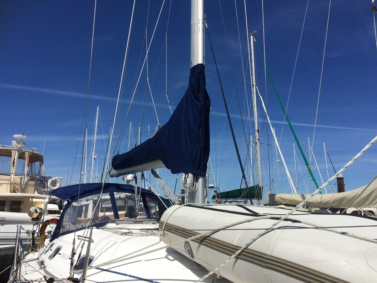 Mast and Boom 2003 DUFOUR Gib'Sea 37 Cruising Sailboat 2969484