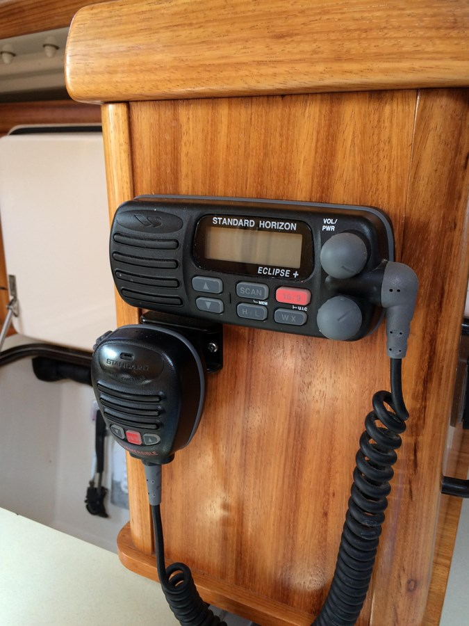 VHF Radio 2003 DUFOUR Gib'Sea 37 Cruising Sailboat 2969497