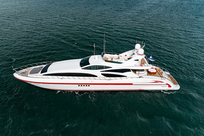 OVERMARINE GROUP KABIR 130S STABILIZED WITHOUT TAKING AWAY FROM PERFORMANCE Yacht à Vendre