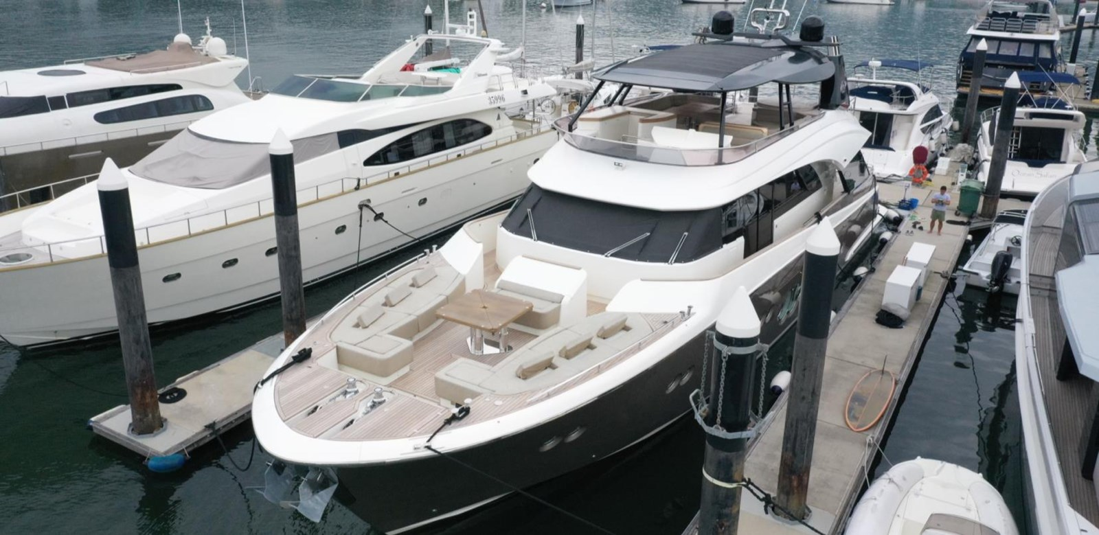 MCY 86 yacht for sale