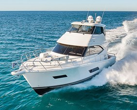 2021 Riviera Enclosed Flybridge with IPS 268090