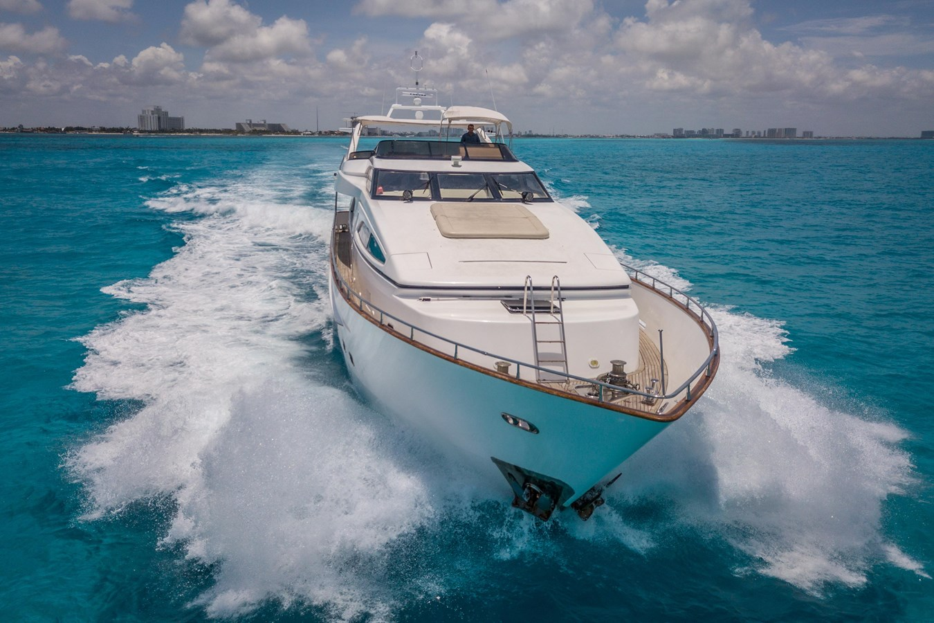 El Capricho yacht for sale