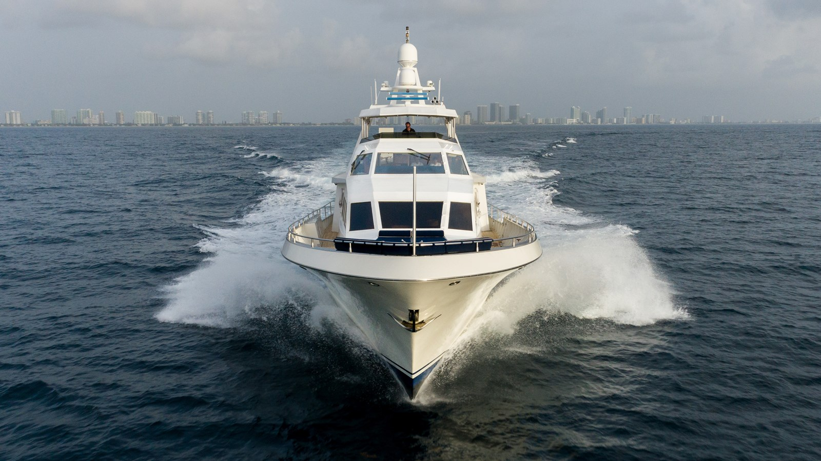 No Buoys yacht for sale