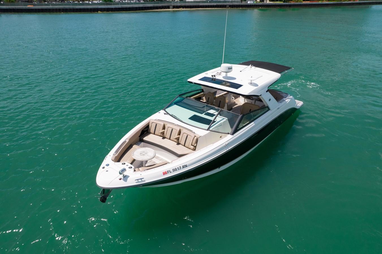 Sea Ray SLX 400 yacht for sale