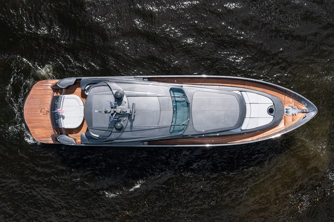 PERSHING AMORA Yacht for Sale