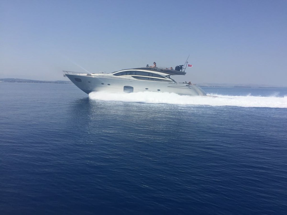 2014 Pershing 82 yacht for sale