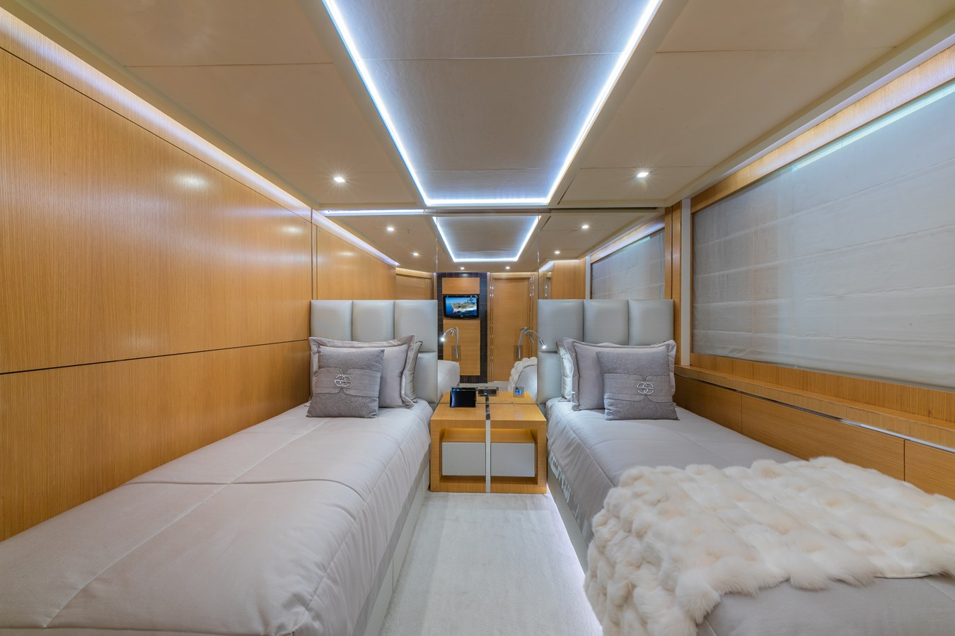 DB9 Yacht for Sale