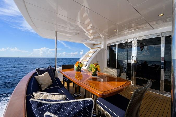 HATTERAS JEANNIETINI Yacht for Sale