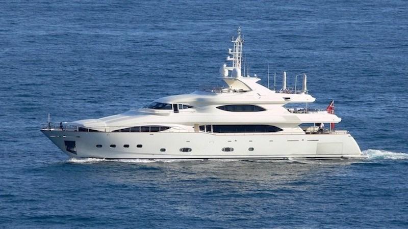 FERRETTI CUSTOM LINE AGATHA Yacht à Vendre