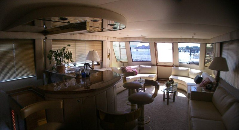 1985 HATTERAS  Motor Yacht 78895