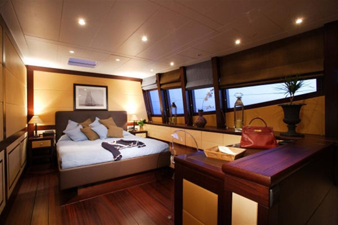 Owner's Suite 2007 BLUBAY ARGO BOATS 102 Catamaran 86923
