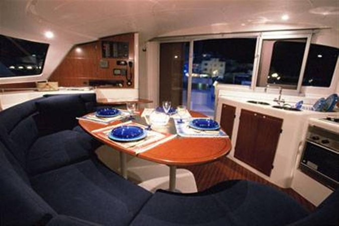Luxurious Saloon 2007 FOUNTAINE PAJOT Lavezzi Cruising Sailboat 87207