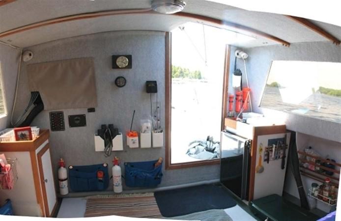 Galley 2000 CUSTOM Hunt Express Weekender Catamaran 87287