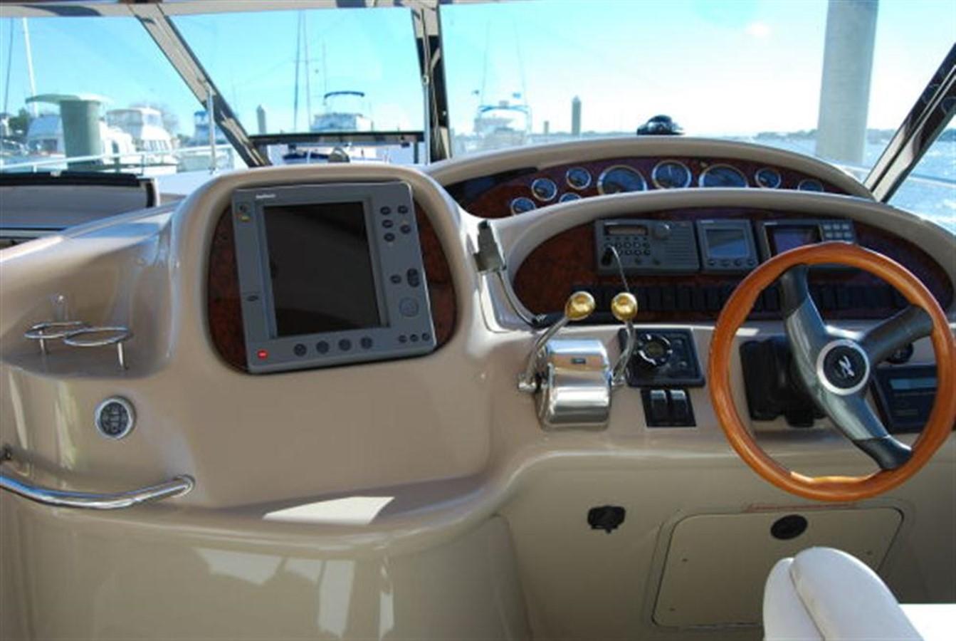Helm  2000 SEA RAY 410 Sundancer Cruiser 88071