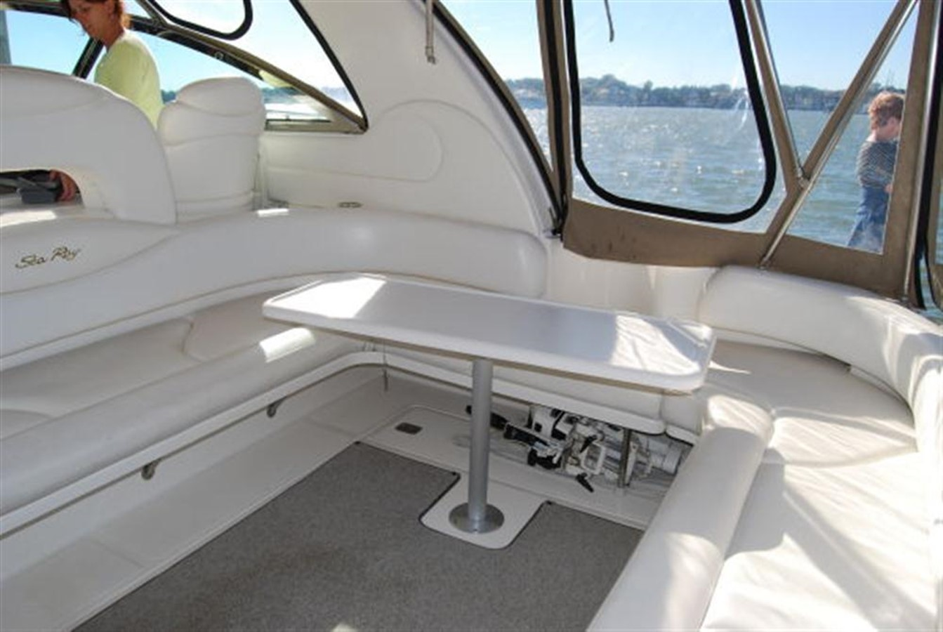 Cockpit Seating 2000 SEA RAY 410 Sundancer Cruiser 88073