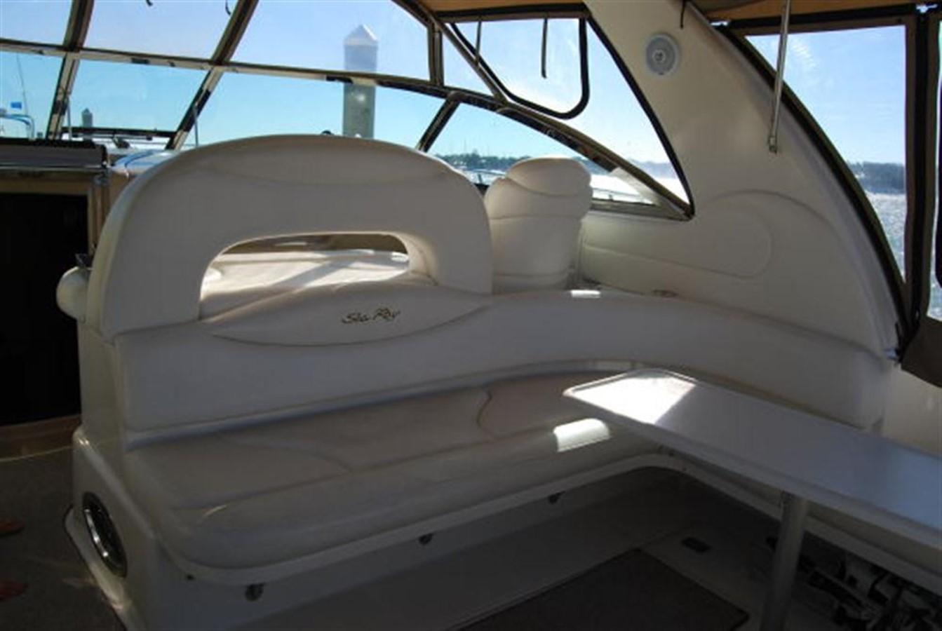 Cockpit seating 2000 SEA RAY 410 Sundancer Cruiser 88075
