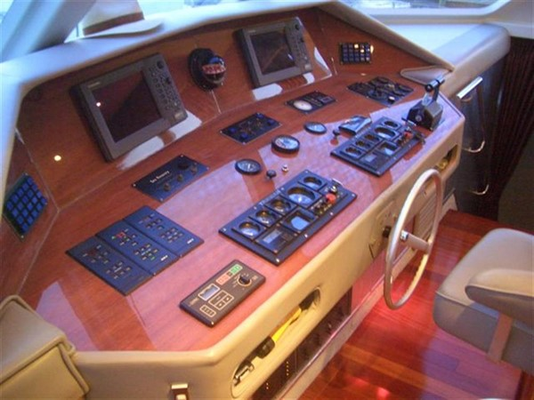 Lower Helm Electronics 1993 AWESOME Power Cat Catamaran 89818