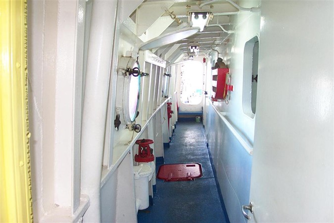 main deck walkway 1966 FERGUSON SHIPYARD Fisheries Patrol Vessel Expedition Yacht 100229