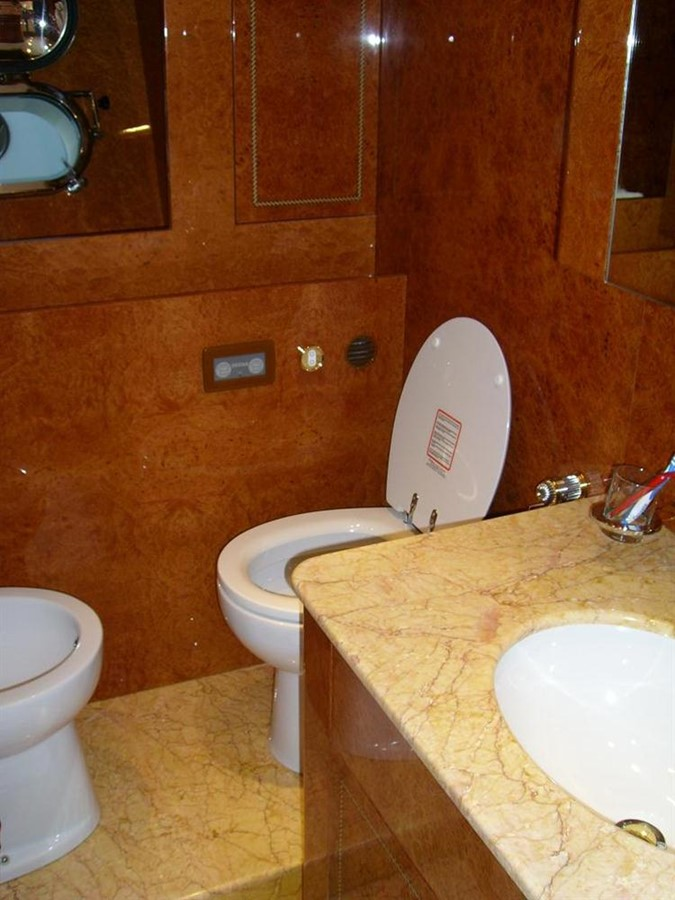bath room 2005 ARNO Leopard 24 M Cruiser 100848