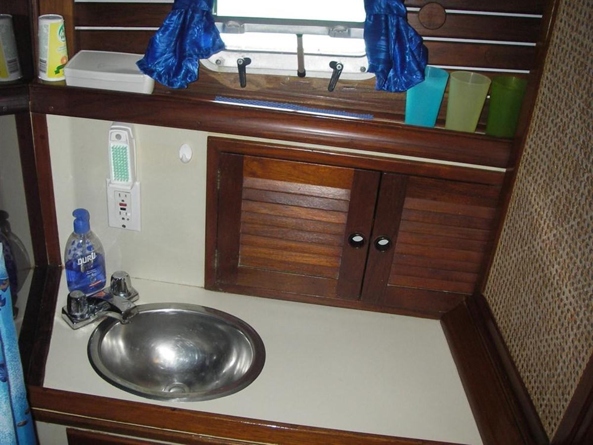 1978 IRWIN YACHTS  Cruising Sailboat 100906