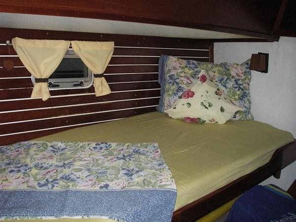 1978 IRWIN YACHTS  Cruising Sailboat 100907