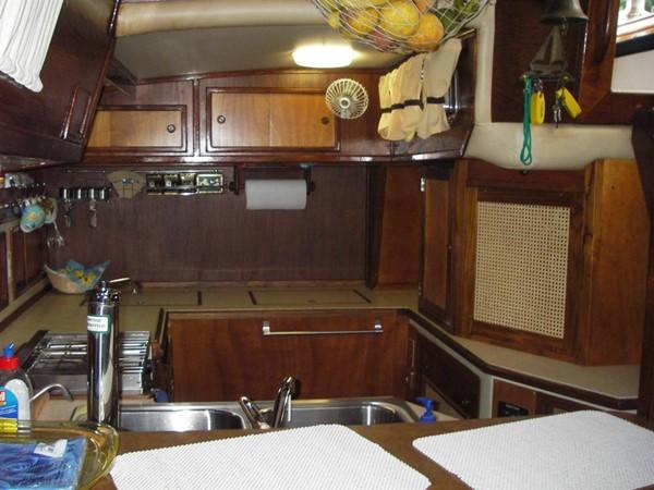 1978 IRWIN YACHTS  Cruising Sailboat 100915