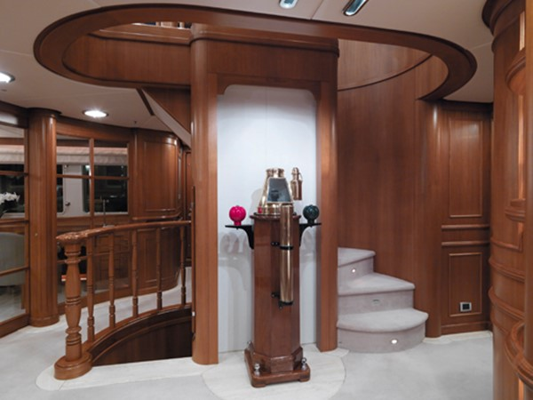 Central staircase 1998 HAKVOORT  Motor Yacht 1010740