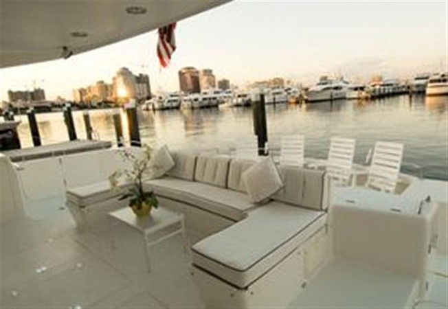 AFT DECK LOUNGE 1999 AWESOME Pilothouse Sky Lounge Catamaran 123094