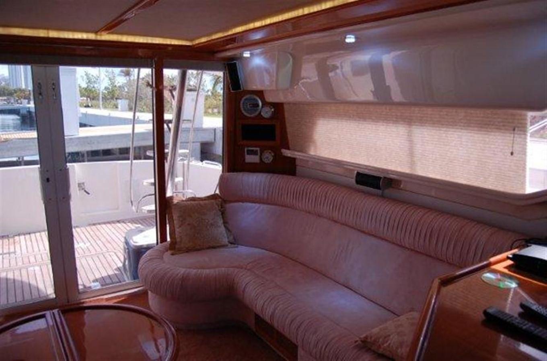 Salon 2000 GULF CRAFT INC Sport Flybridge Cruiser  142459