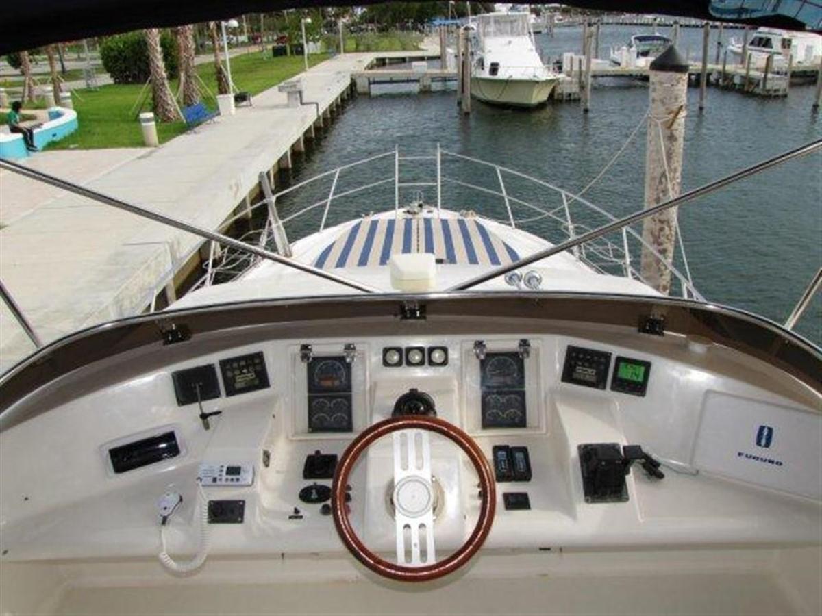 Flybridge 2000 GULF CRAFT INC Sport Flybridge Cruiser  142465