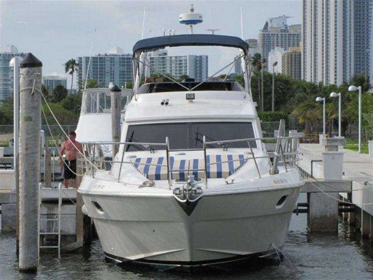 Profile 2000 GULF CRAFT INC Sport Flybridge Cruiser  142470