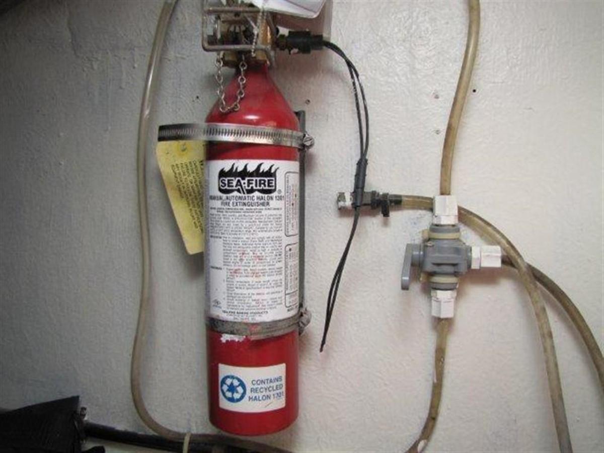 Fire Extinguisher 2000 GULF CRAFT INC Sport Flybridge Cruiser  142477