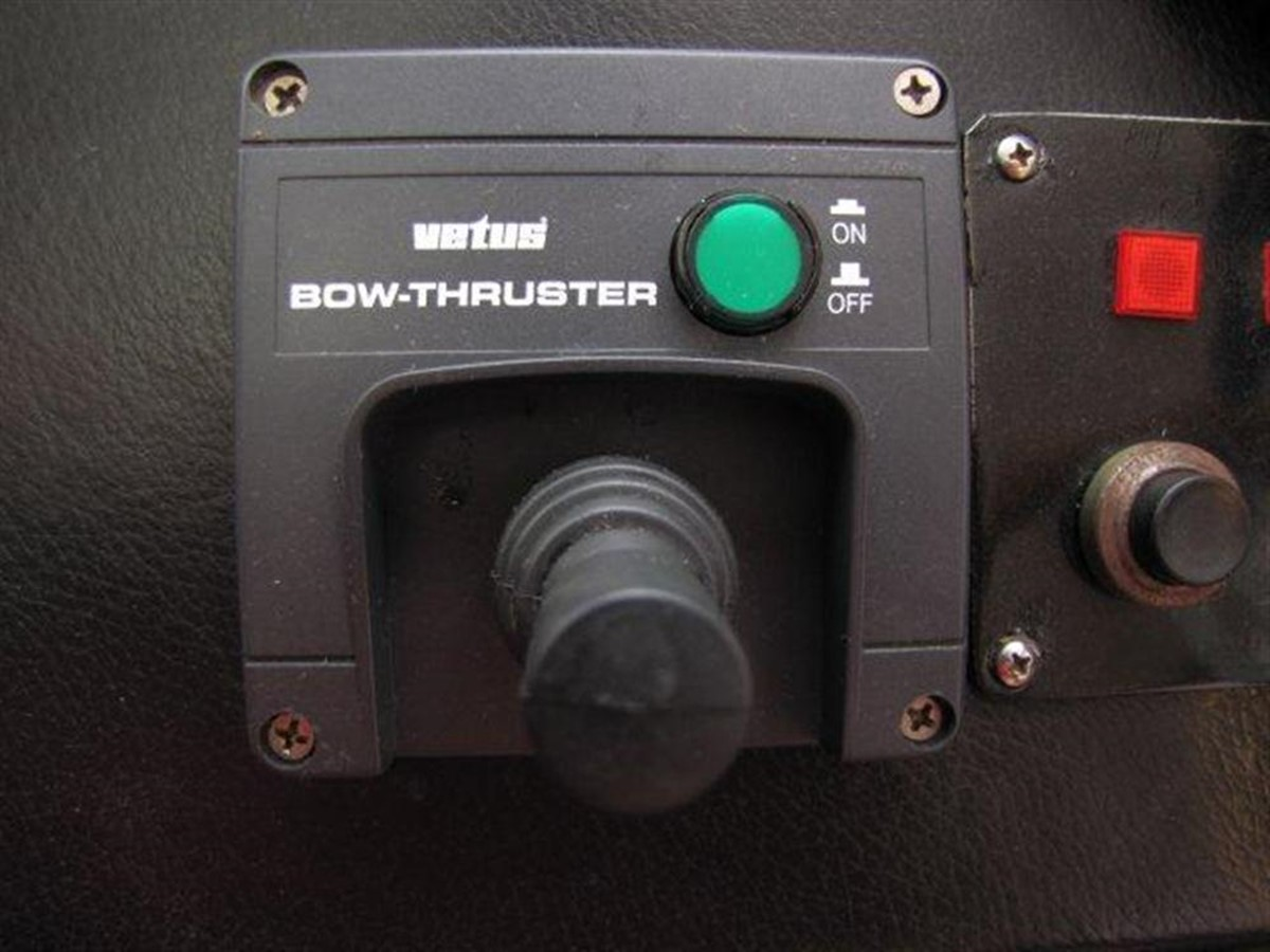 Bow Thruster 2000 GULF CRAFT INC Sport Flybridge Cruiser  142478