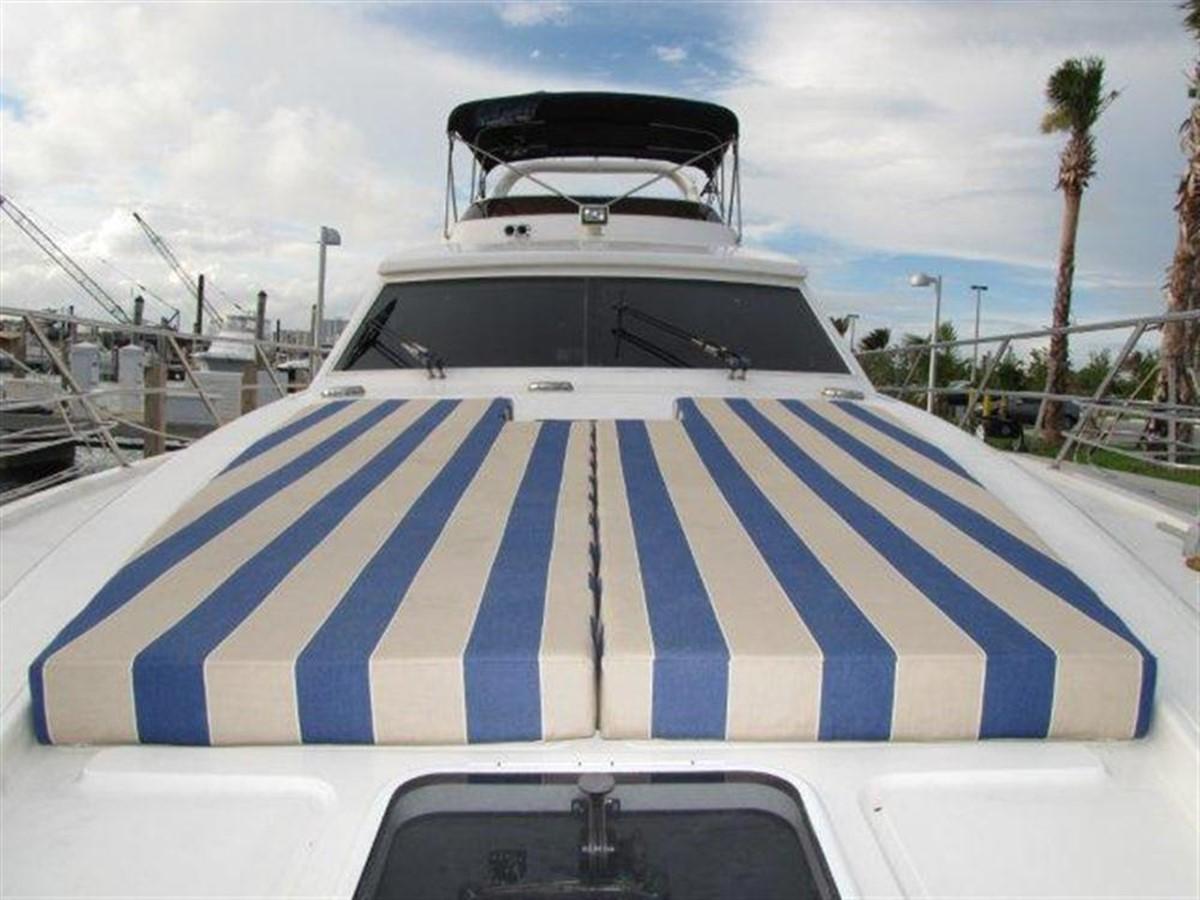 Sunpads 2000 GULF CRAFT INC Sport Flybridge Cruiser  142481