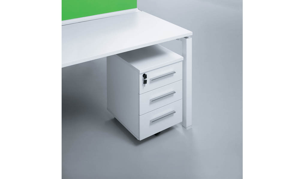 White & green 4 seater workstation 'E-Half - Plus'
