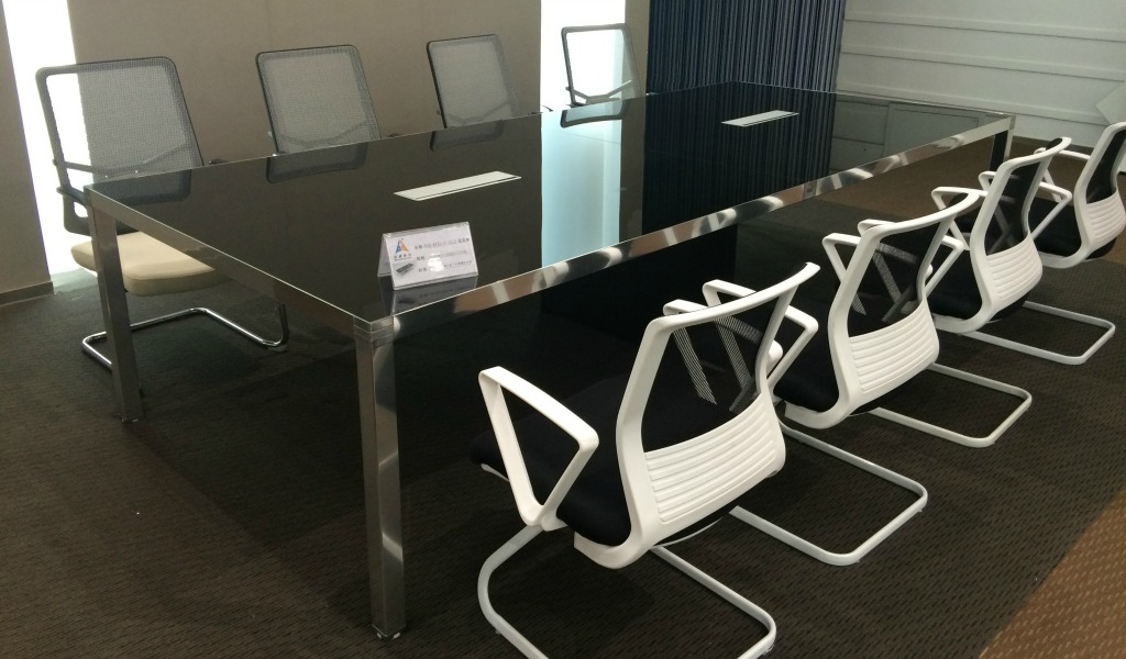 Frosted Glass Conference Table With The Elecrti Wave Mini In
