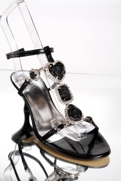 Elegant T-strap Sandals